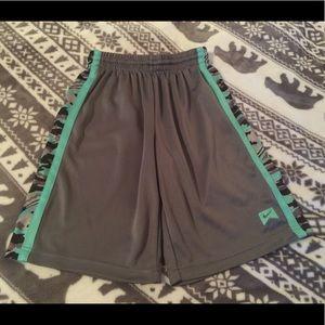 Boys Nike athletic shorts size medium camo gray